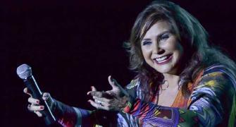 Com 40 anos de carreira, Fafá de Belém superlota o Teatro Rival, no Rio
